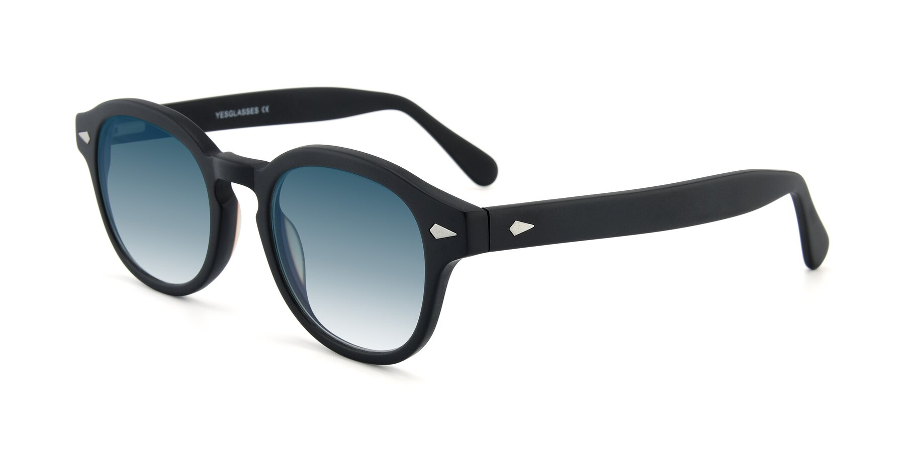 Angle of SR1609 in Matte Black with Blue Gradient Lenses