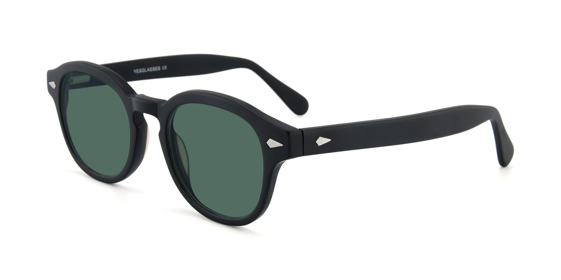 Angle of SR1609 in Matte Black with Green Polarized Lenses