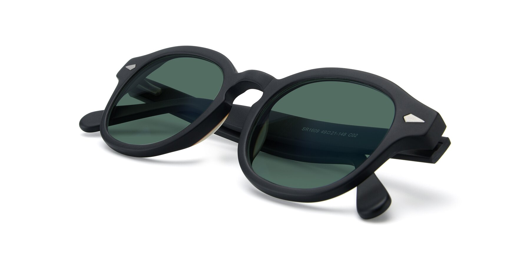 View of SR1609 in Matte Black with Green Polarized Lenses