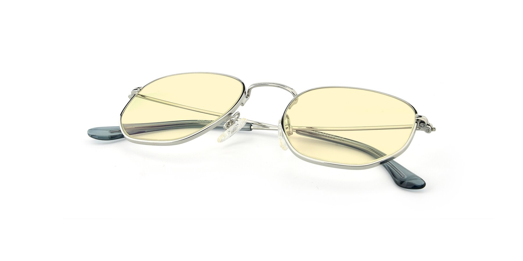 View of SSR1943 in Silver with Light Yellow Tinted Lenses