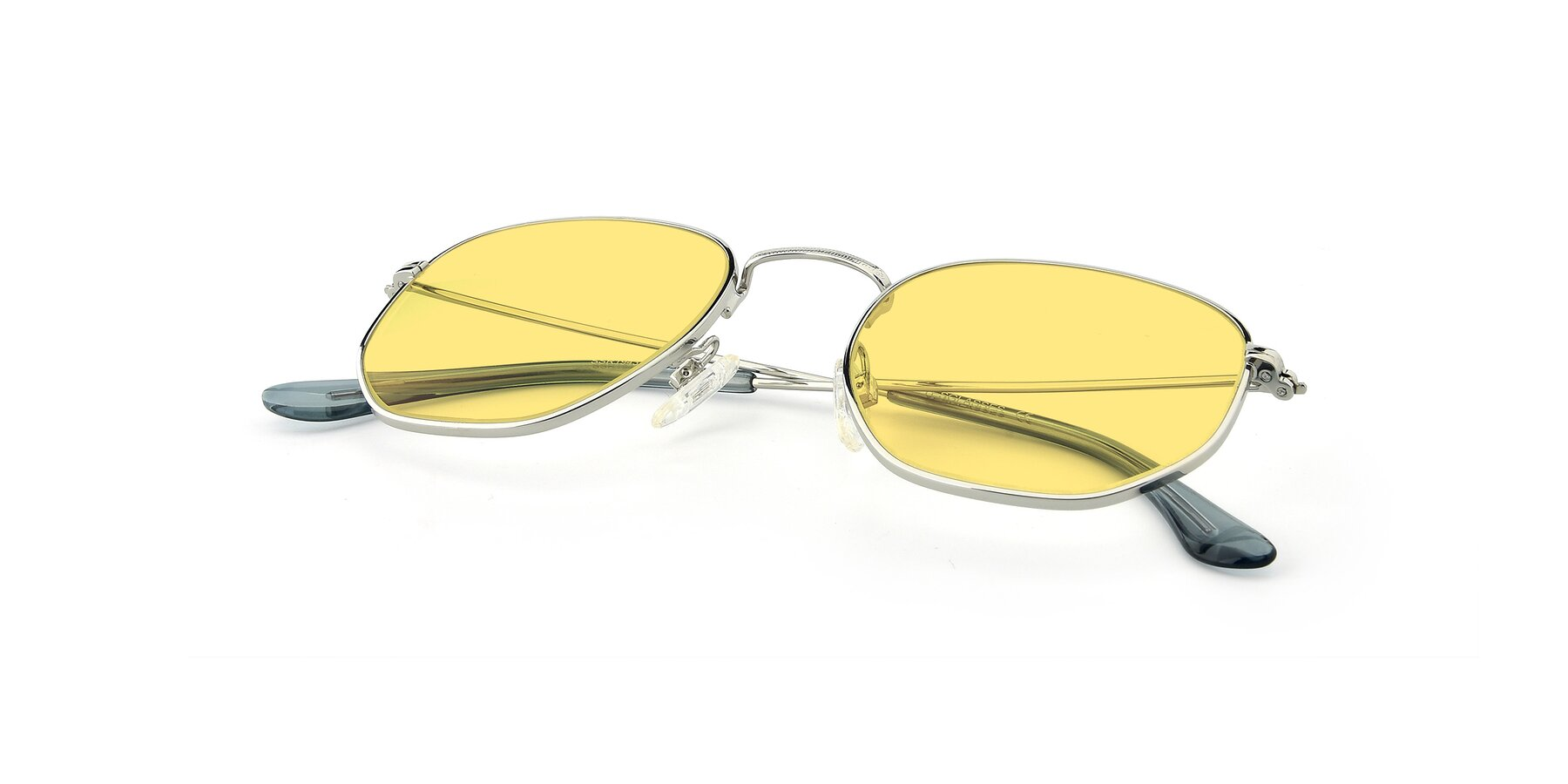 View of SSR1943 in Silver with Medium Yellow Tinted Lenses