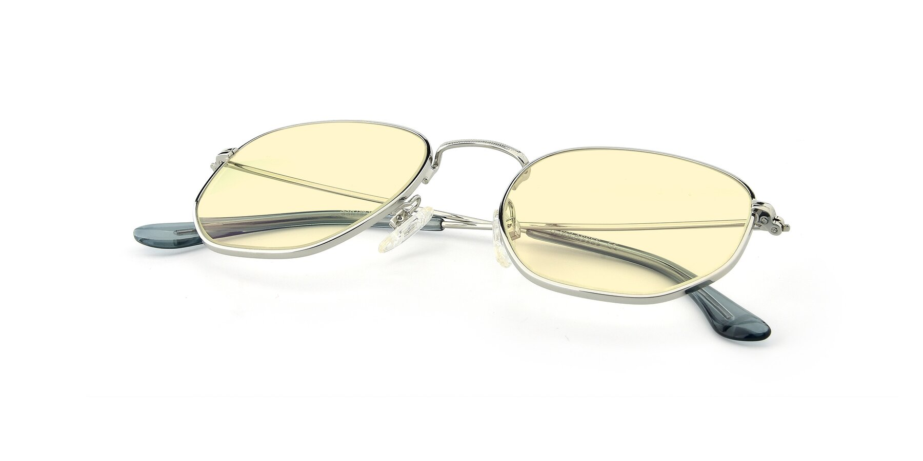 View of SSR1944 in Silver with Light Yellow Tinted Lenses