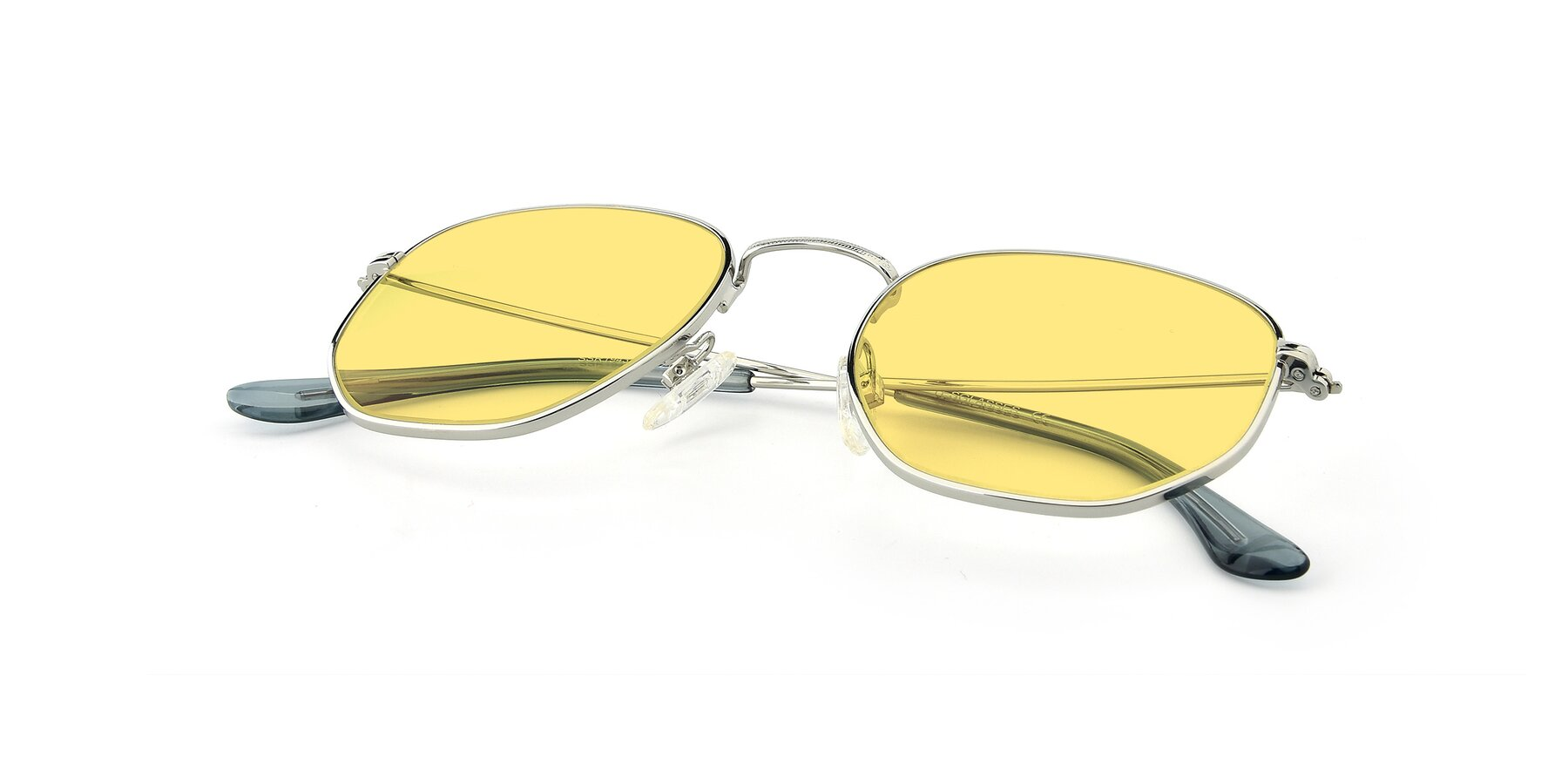View of SSR1944 in Silver with Medium Yellow Tinted Lenses