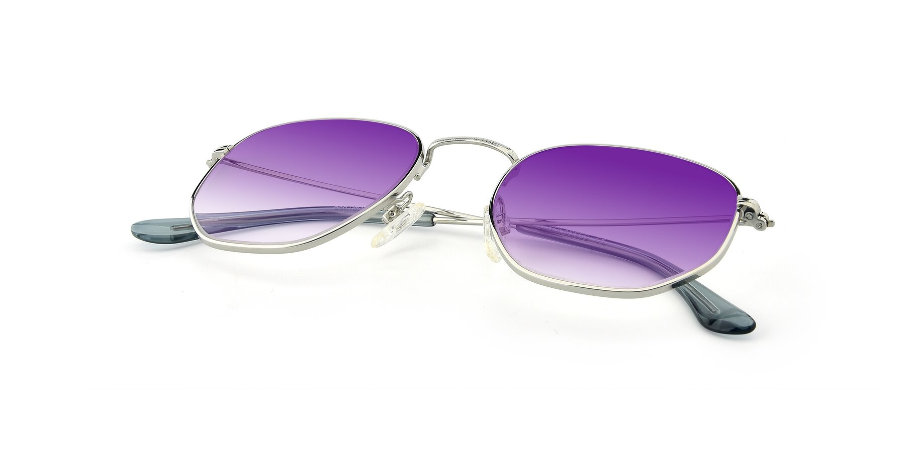 View of SSR1944 in Silver with Purple Gradient Lenses