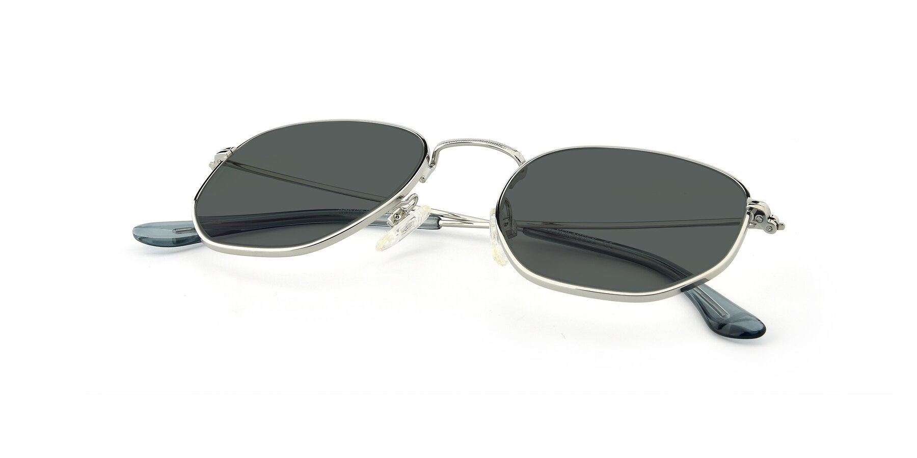 View of SSR1944 in Silver with Gray Polarized Lenses
