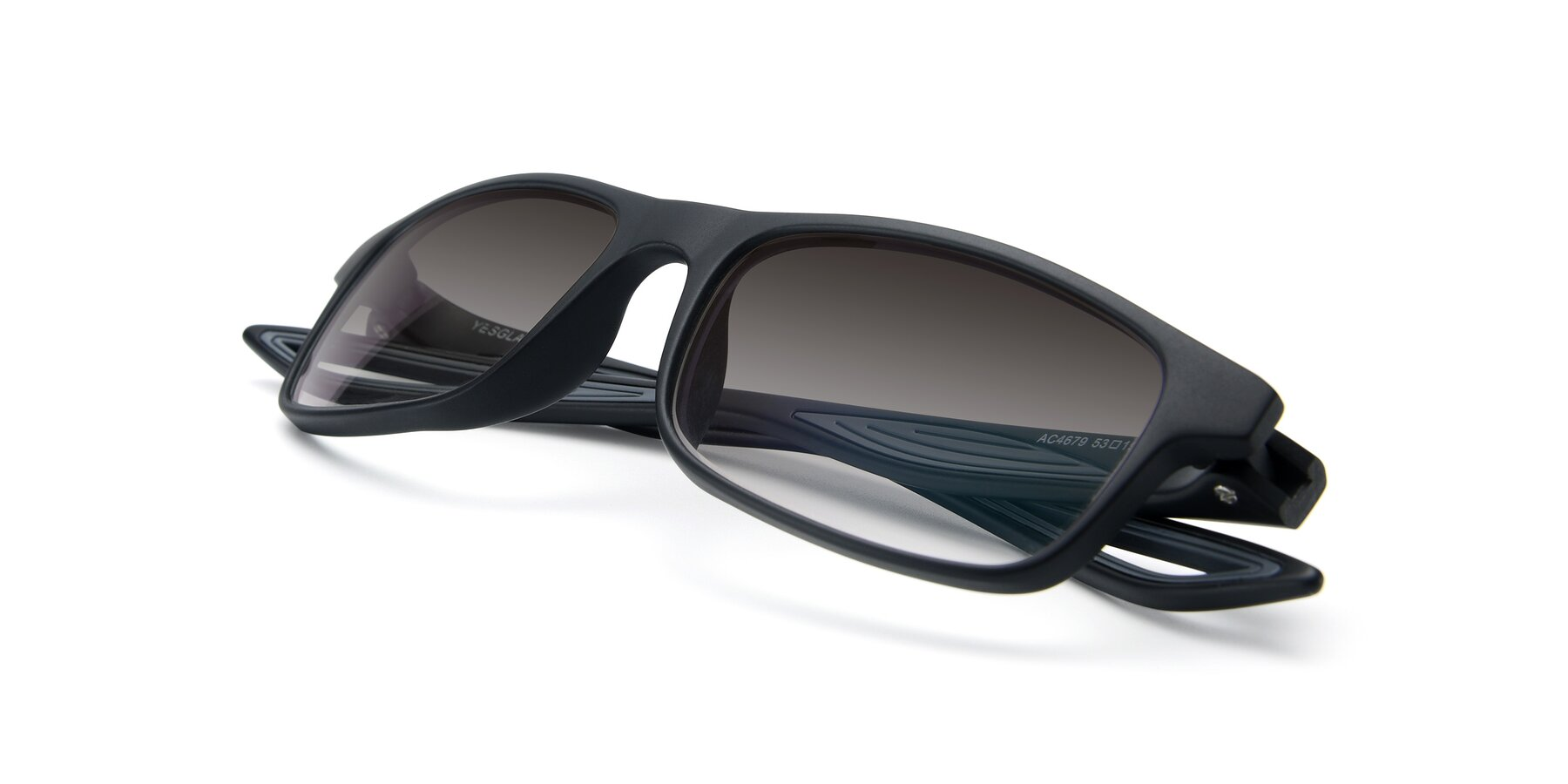 View of AC4679 in Matte Black-Gray with Gray Gradient Lenses