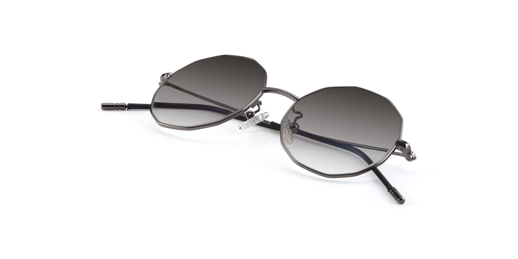 View of Dreamer in Gunmetal with Gray Gradient Lenses