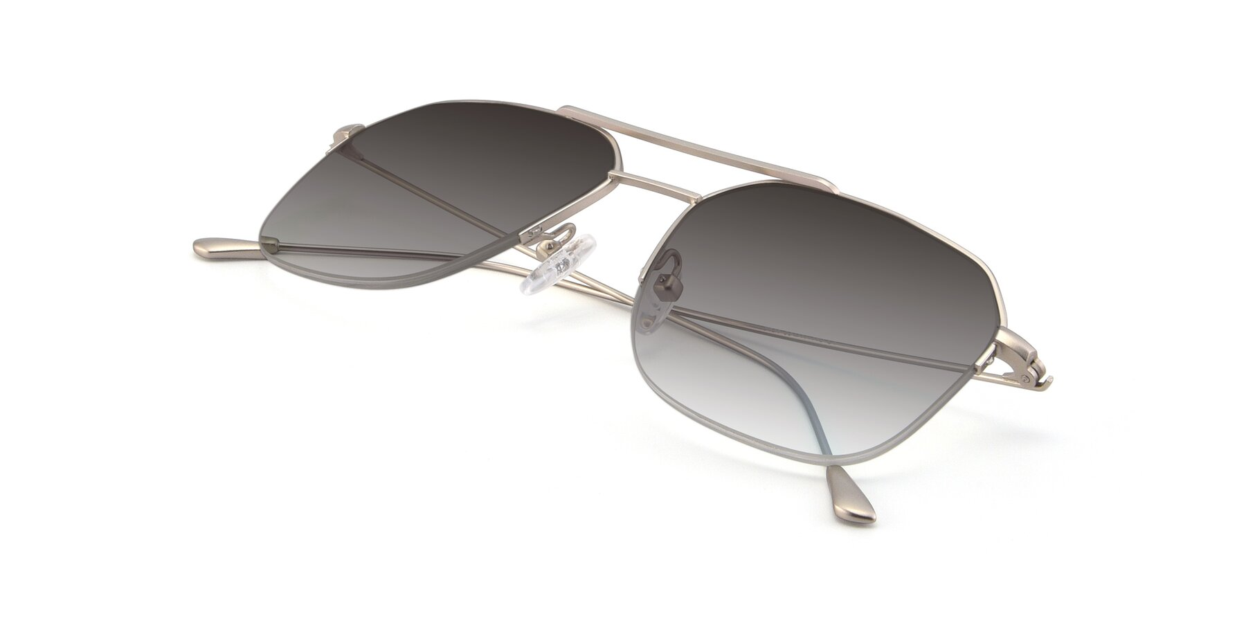 View of 9434 in Silver with Gray Gradient Lenses