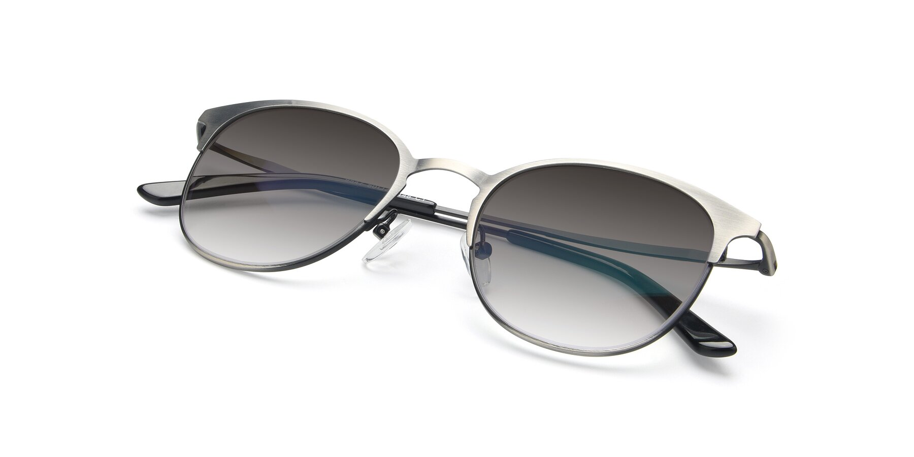 View of 9547 in Antique Gun with Gray Gradient Lenses