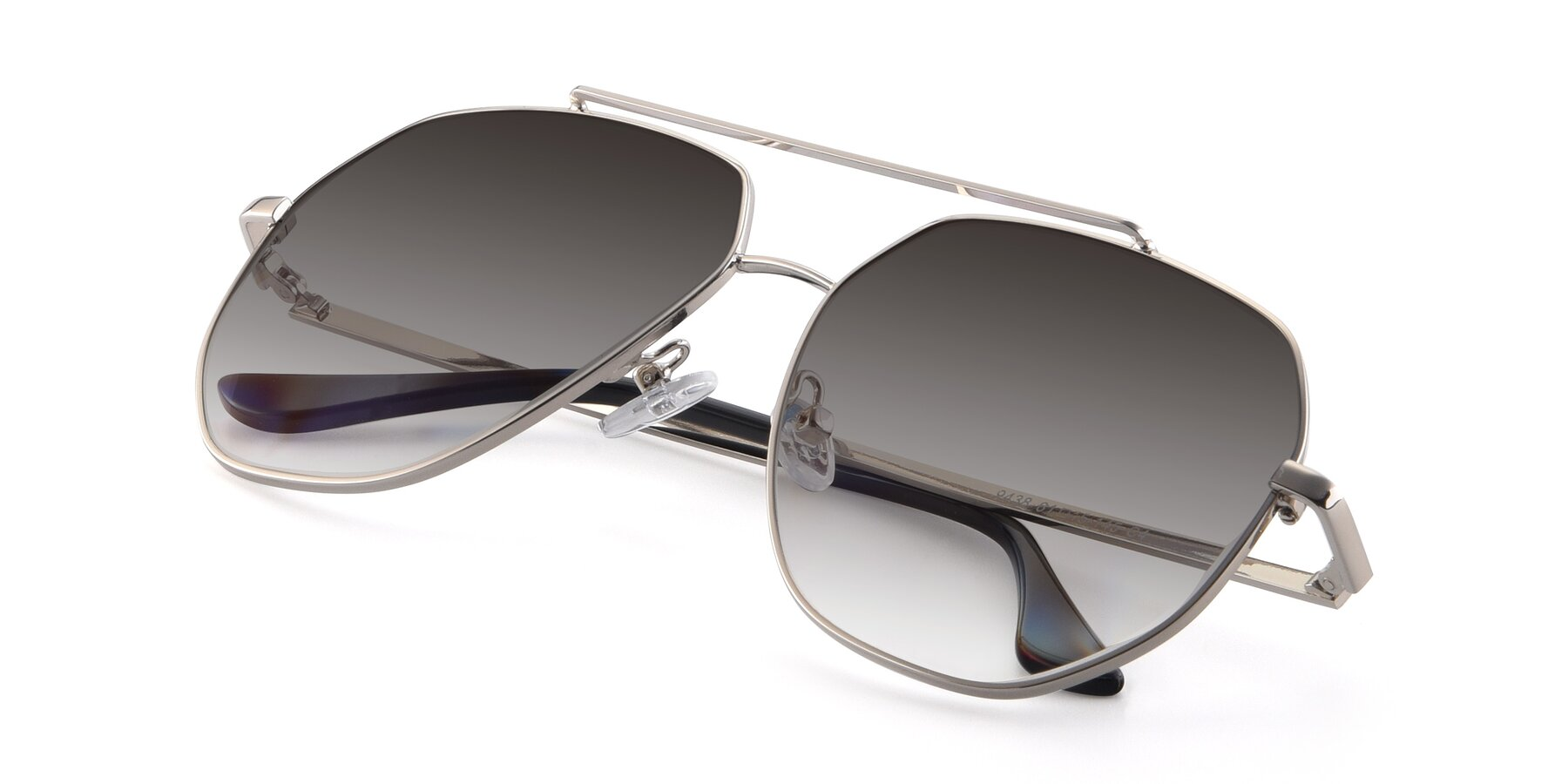 View of 9438 in Silver with Gray Gradient Lenses