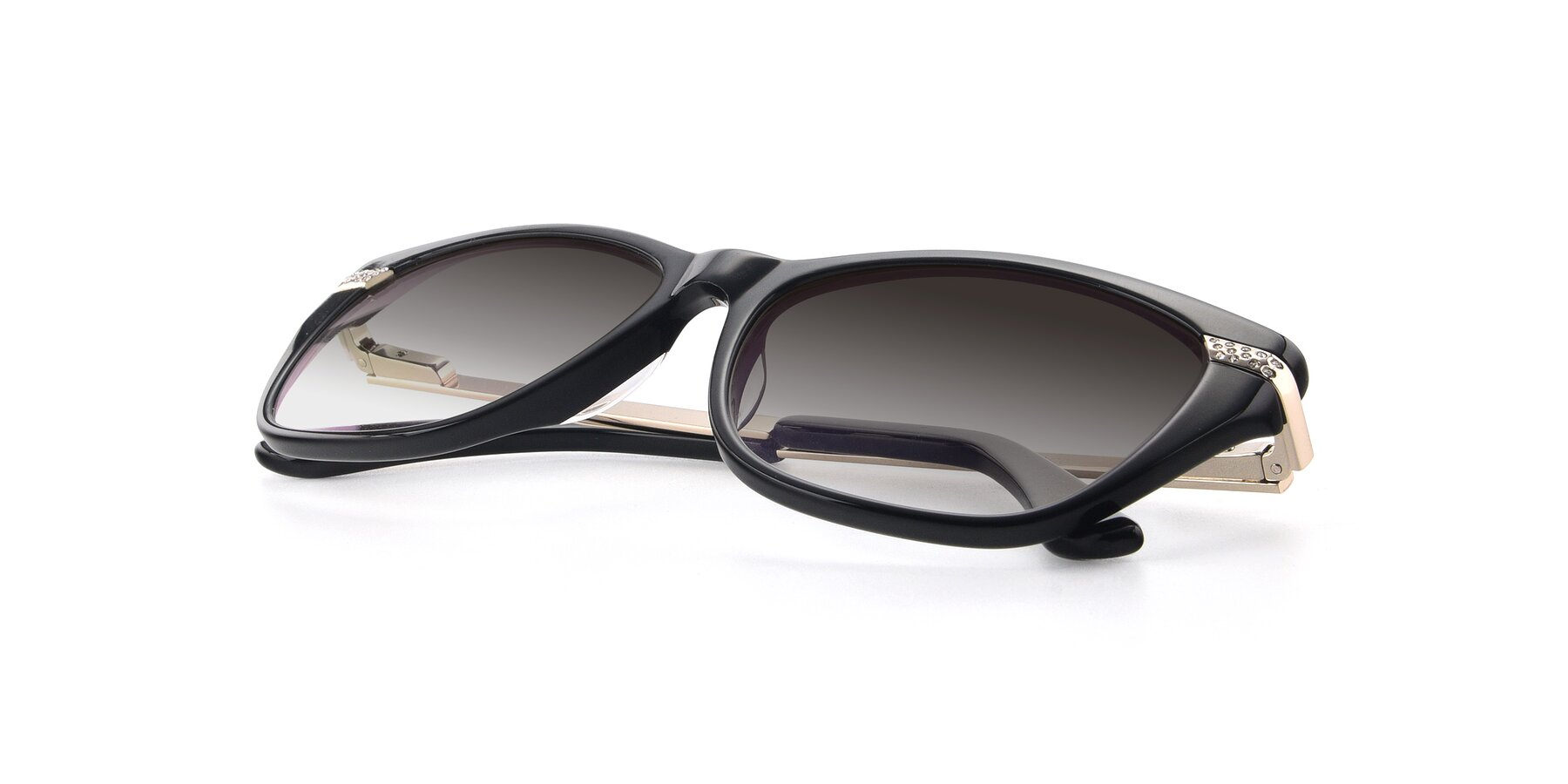 View of 17515 in Black with Gray Gradient Lenses
