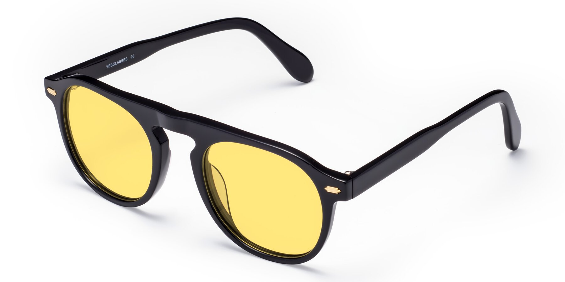 Angle of Mufasa in Black with Medium Yellow Tinted Lenses