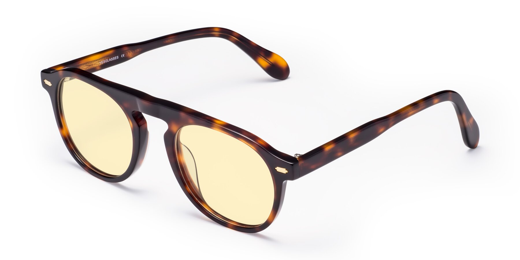 Angle of Mufasa in Tortoise with Light Yellow Tinted Lenses