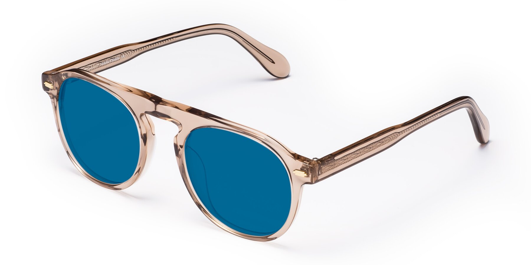 Angle of Mufasa in light Brown with Blue Tinted Lenses