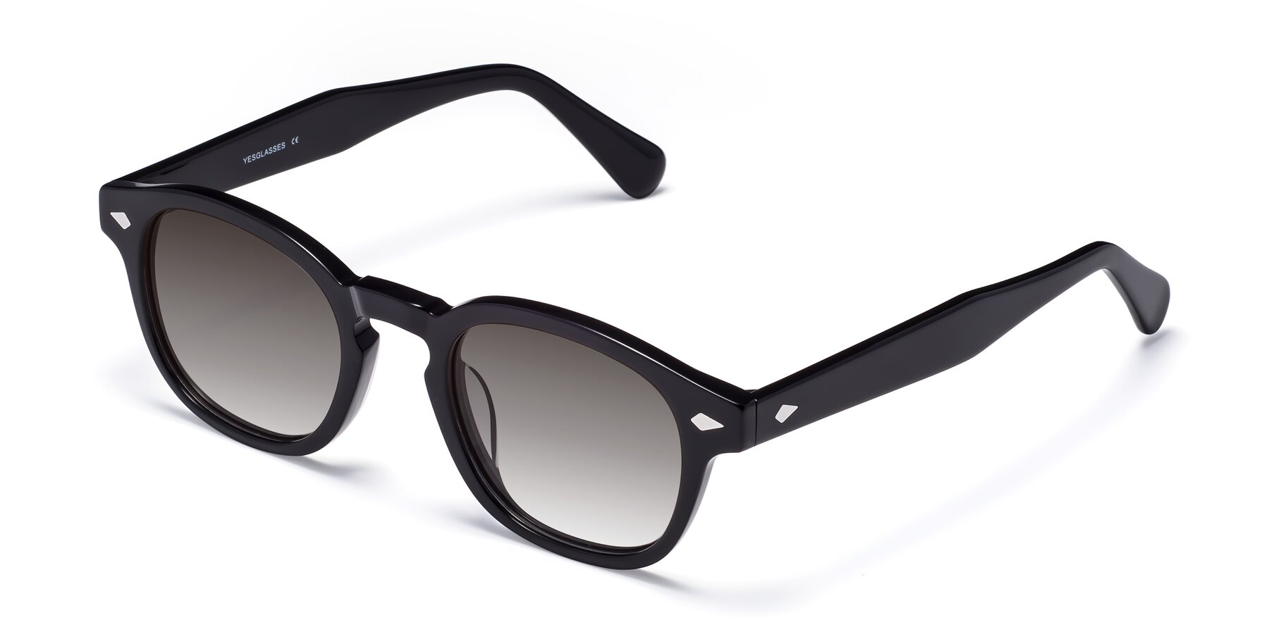 Angle of WALL-E in Black with Gray Gradient Lenses