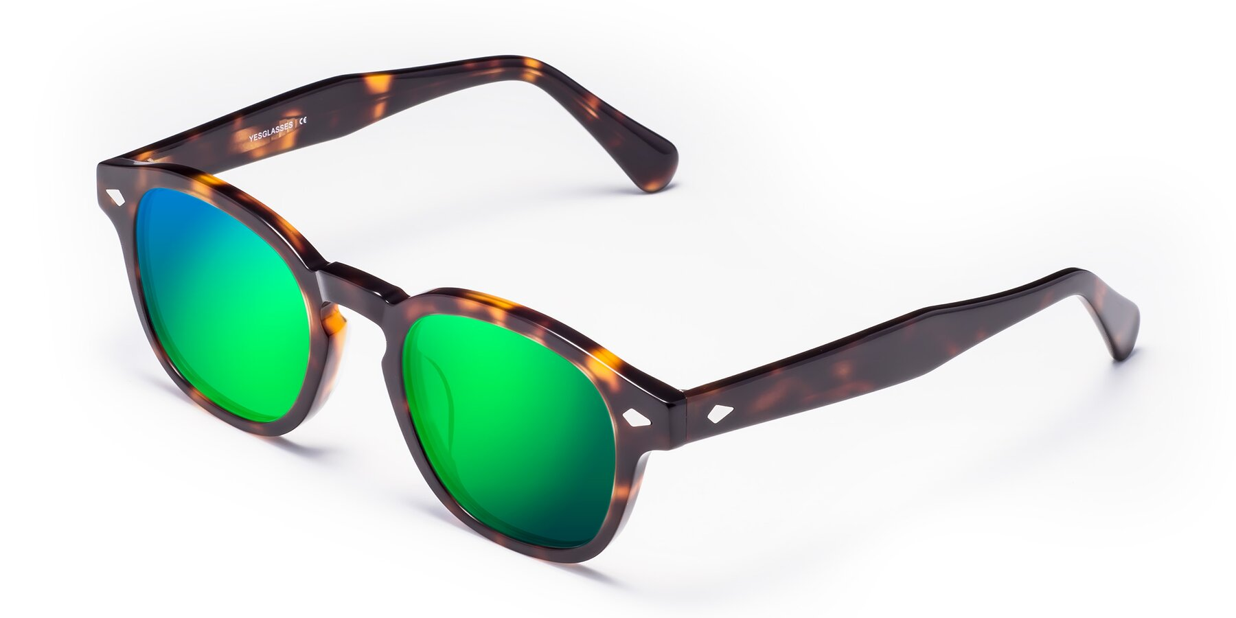 Angle of WALL-E in Tortoise with Green Mirrored Lenses