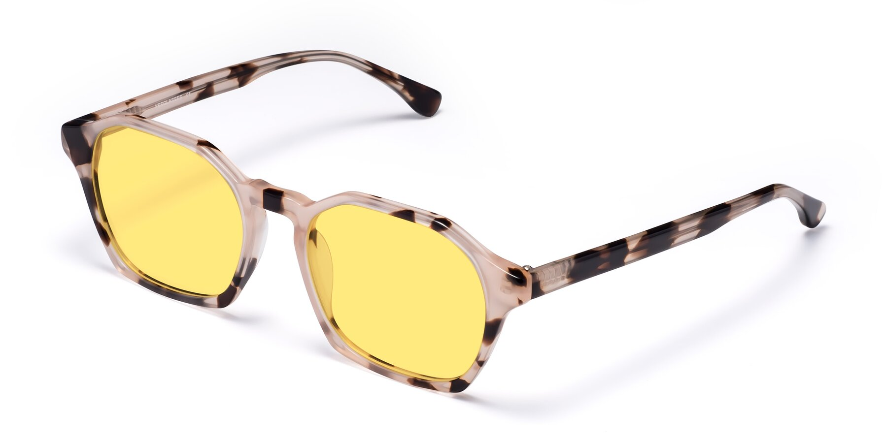 Angle of Stoltz in Leopard with Medium Yellow Tinted Lenses