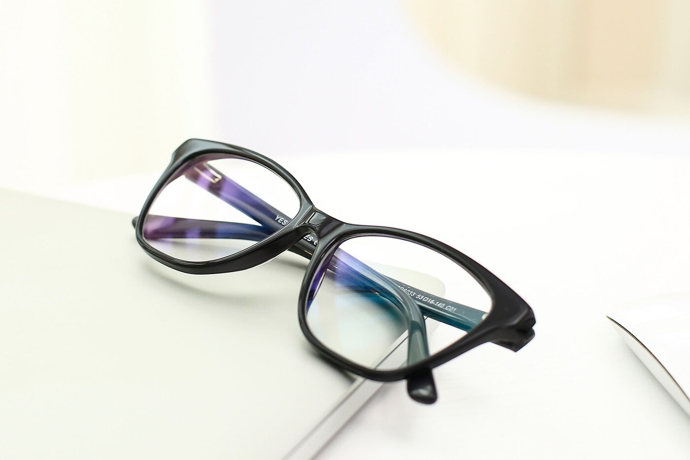 Black Horn-Rimmed Geek-Chic Cat-Eye Eyeglasses