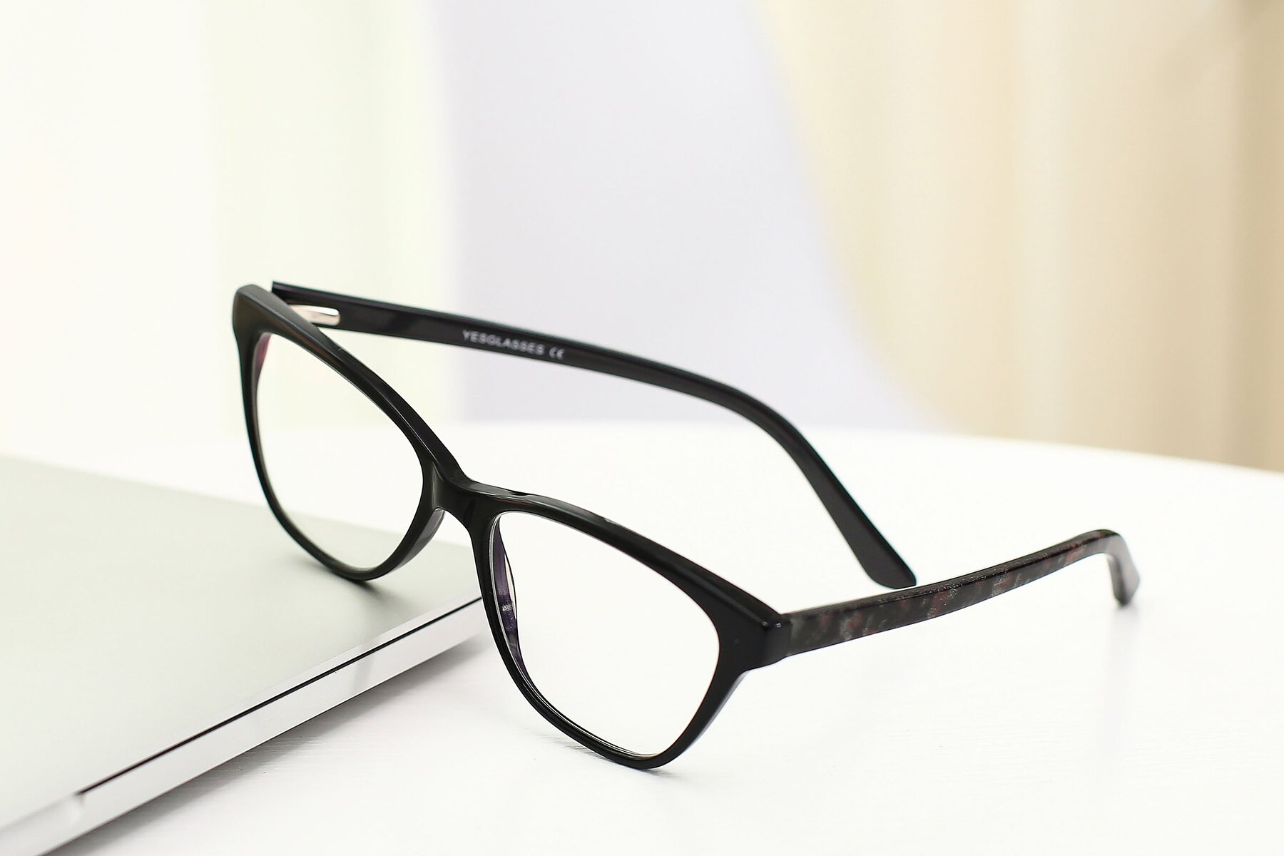 Lifestyle photography #2 of SR6033 in Black with Clear Eyeglass Lenses