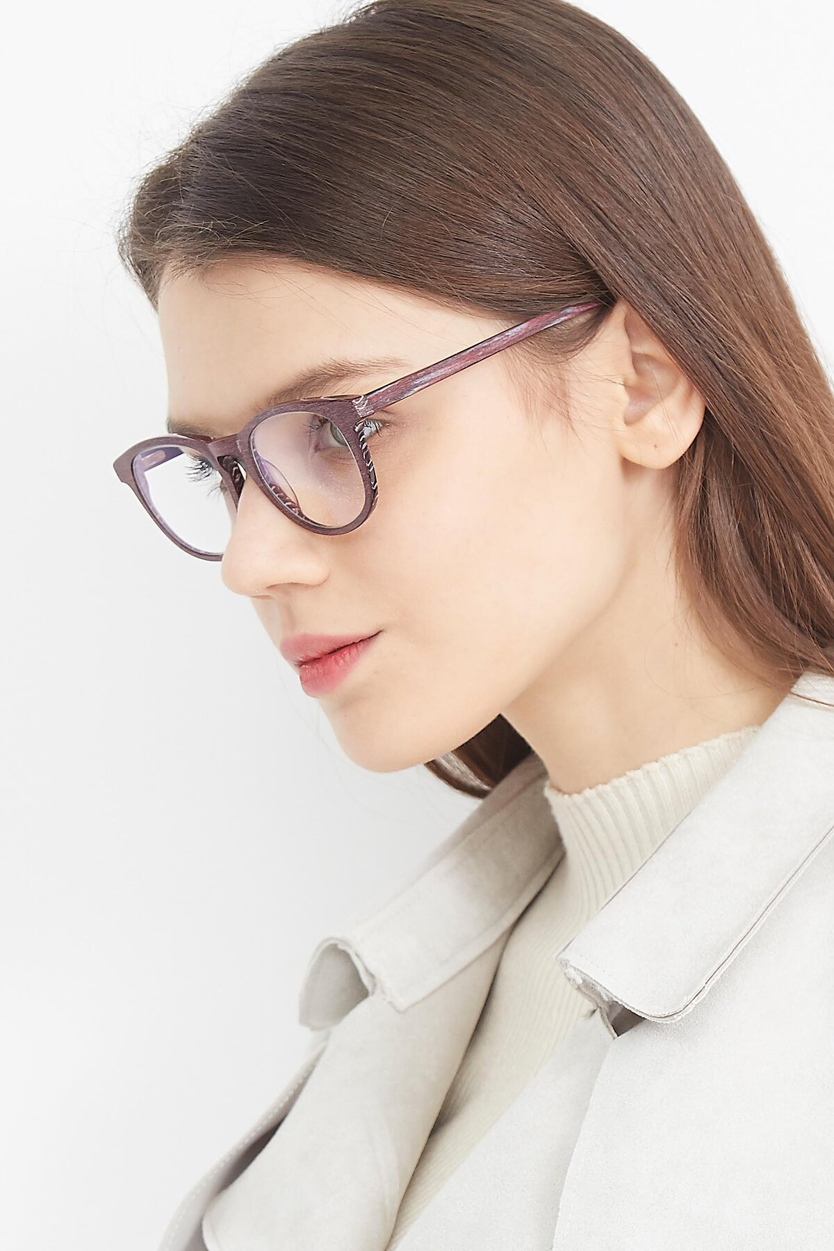 Women's lifestyle photography (portrait-2) of SR6044 in Wine-Wooden with Clear Blue Light Blocking Lenses