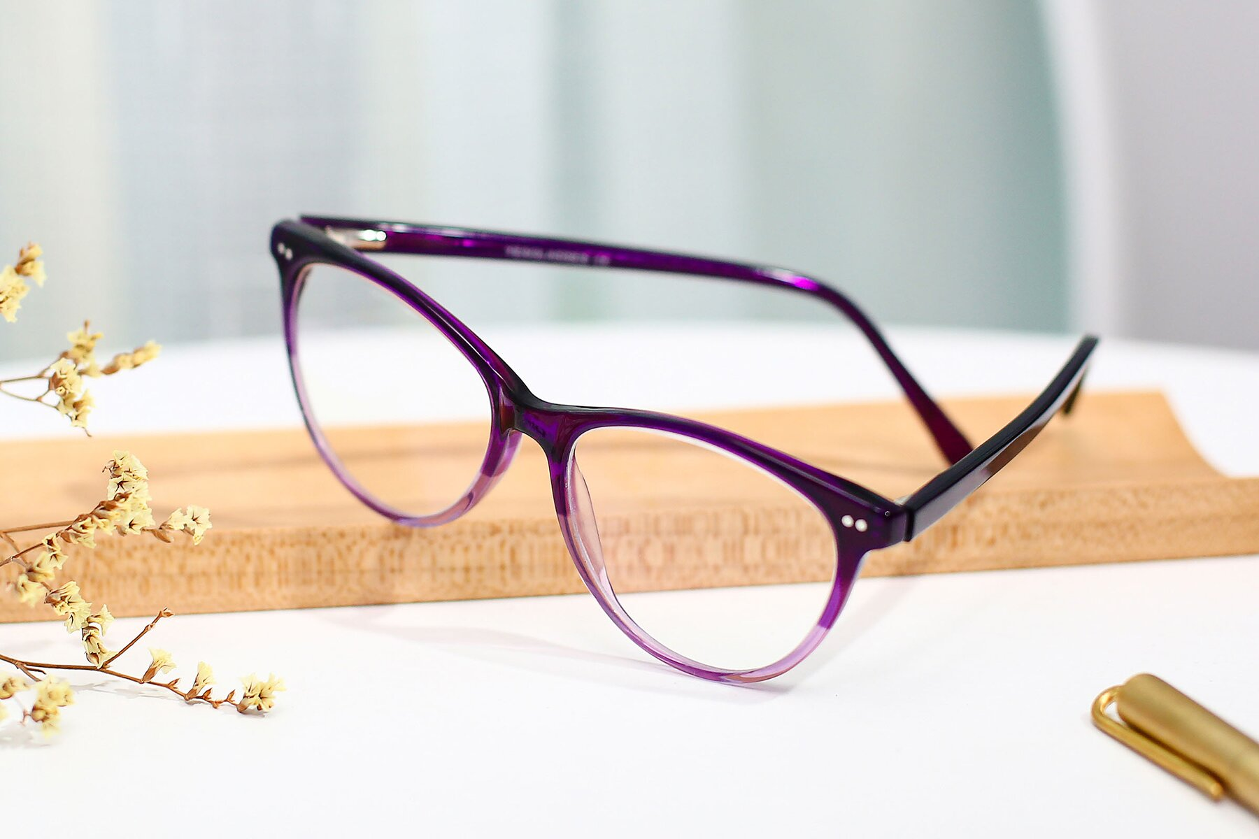 Women's lifestyle photography #2 of SR6050 in Transparent Gradient Violet with Clear Eyeglass Lenses