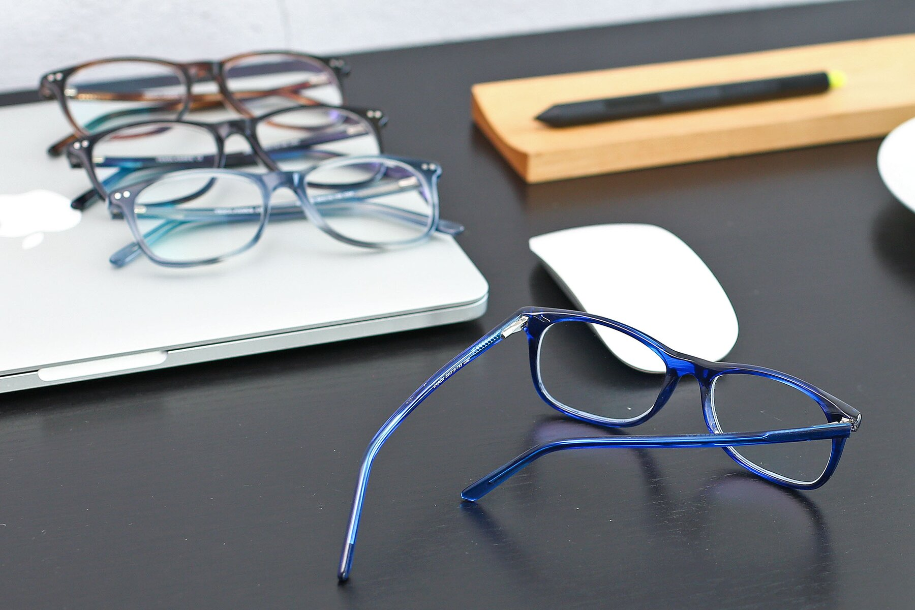 Lifestyle photography #4 of SR6052 in Striped Blue with Clear Blue Light Blocking Lenses