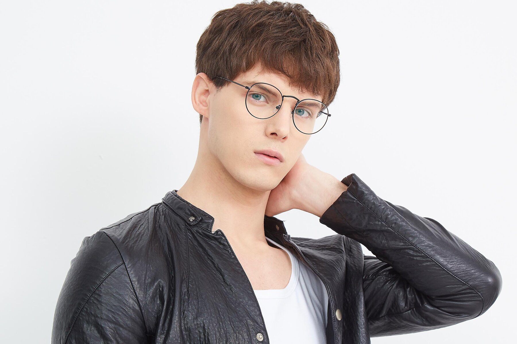 Men's lifestyle photography (landscape-1) of SR1552 in Black with Clear Eyeglass Lenses