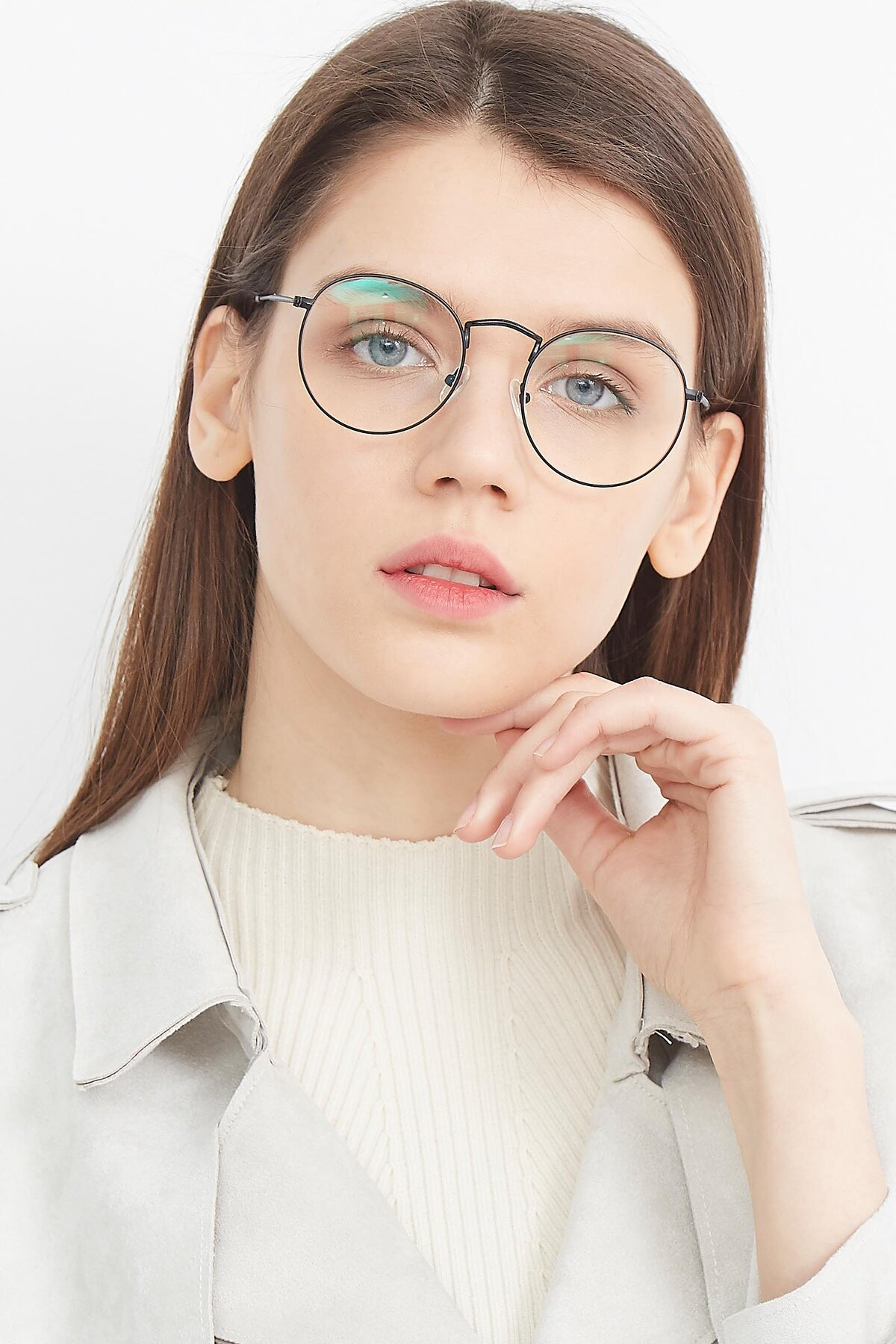 Women's lifestyle photography (portrait-1) of SR1552 in Black with Clear Eyeglass Lenses