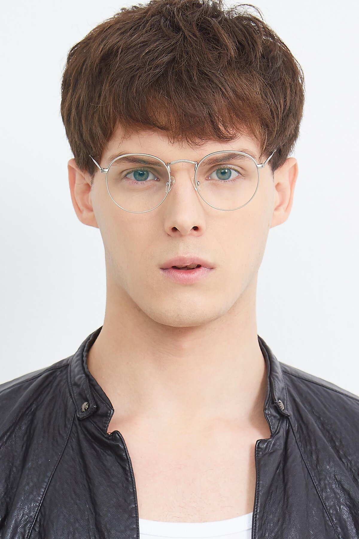 Men's lifestyle photography (portrait-1) of SR1552 in Silver with Clear Eyeglass Lenses