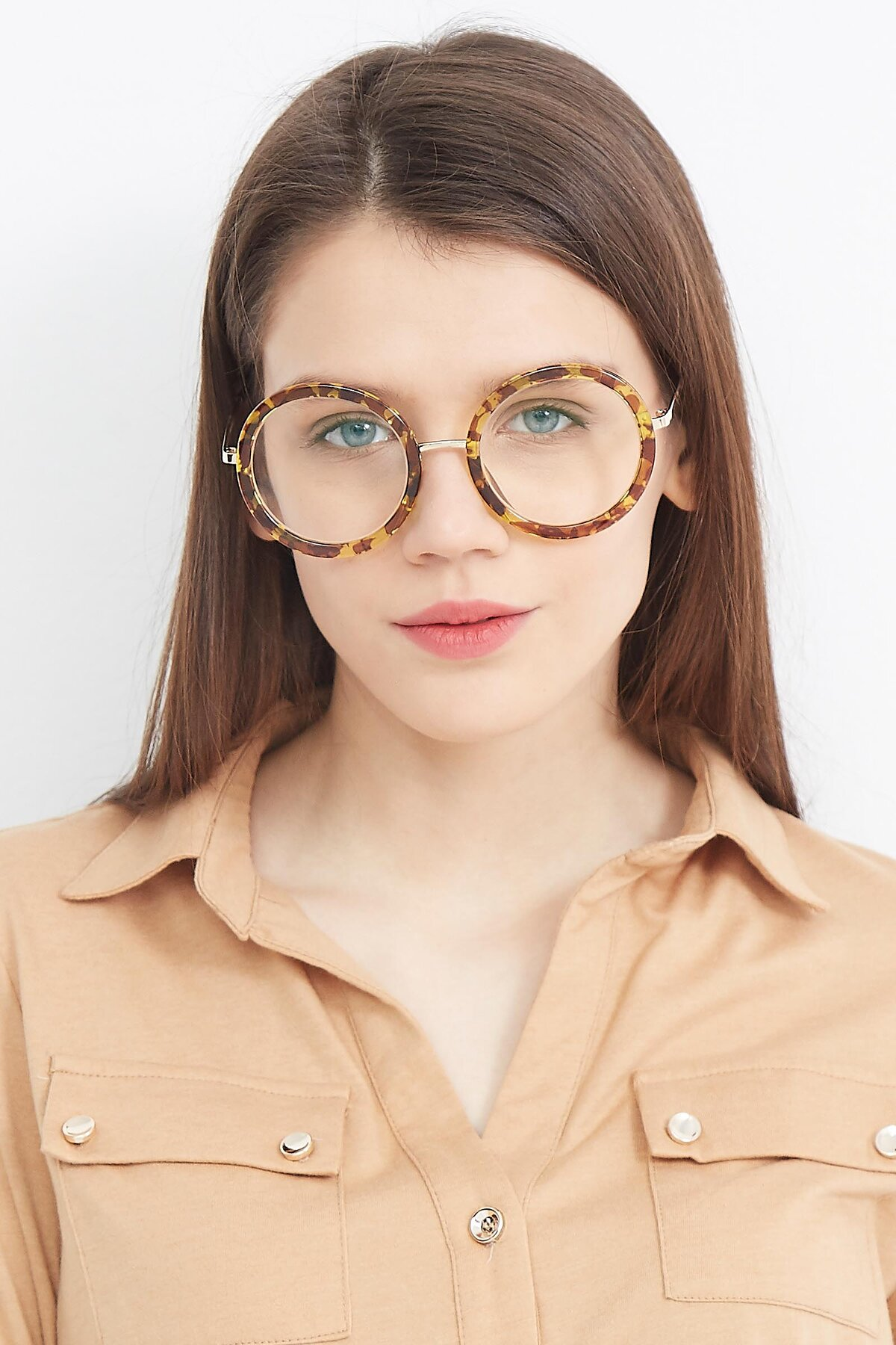 Women's lifestyle photography (portrait-1) of Bloom in Transparent Tortoise with Clear Blue Light Blocking Lenses