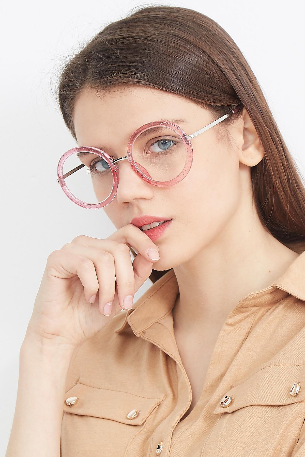 Women's lifestyle photography (portrait-2) of Bloom in Transparent Pearl Pink with Clear Eyeglass Lenses