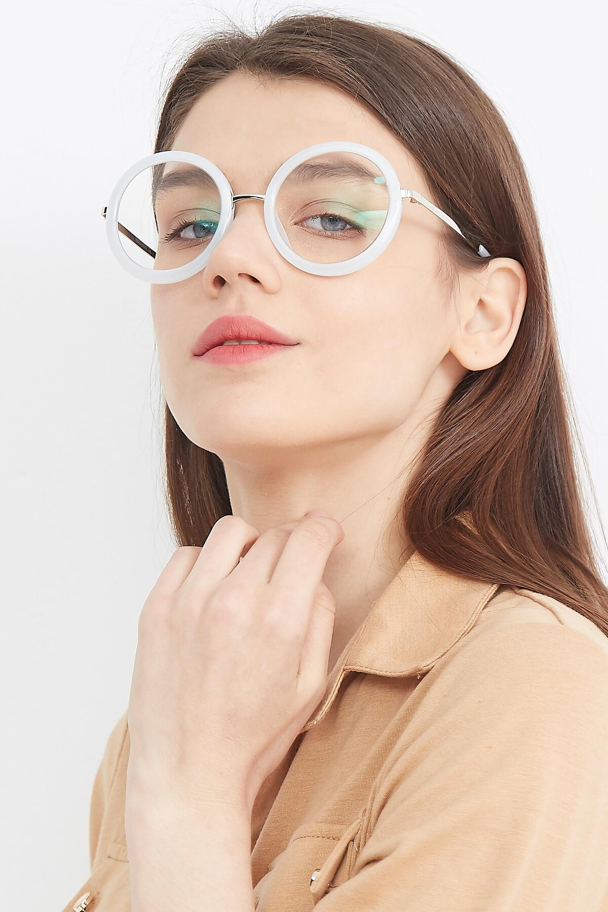 Women's lifestyle photography (portrait-1) of Bloom in Transparent Glacier Grey with Clear Blue Light Blocking Lenses