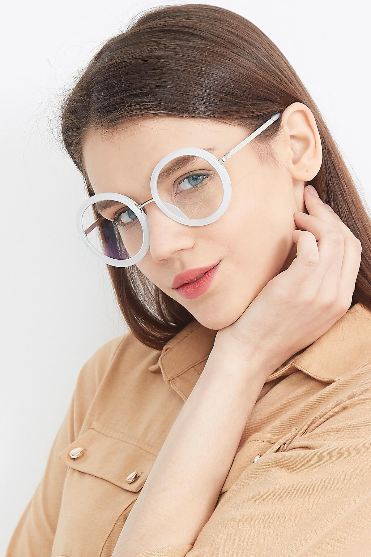 Women's lifestyle photography (portrait-2) of Bloom in Transparent Glacier Grey with Clear Blue Light Blocking Lenses