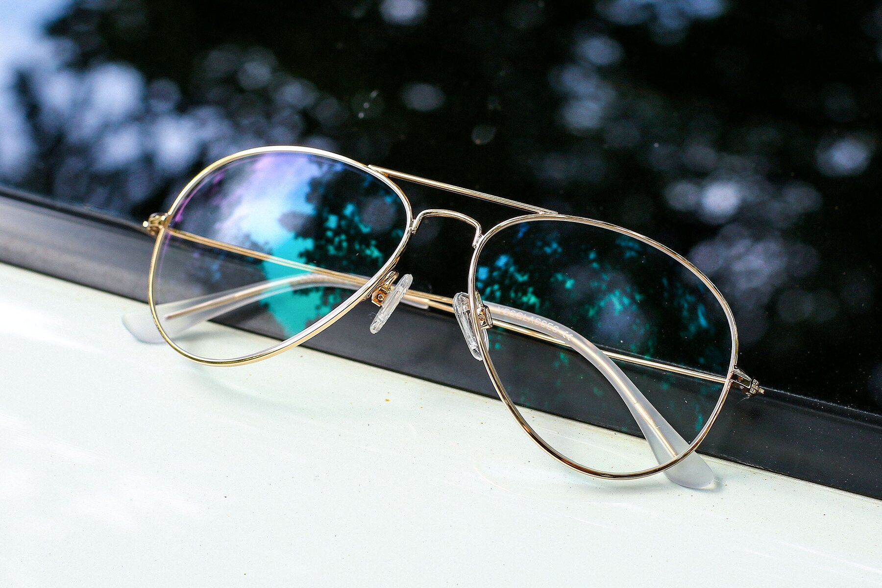 Lifestyle photography #1 of Yesterday in Shiny Gold with Clear Eyeglass Lenses