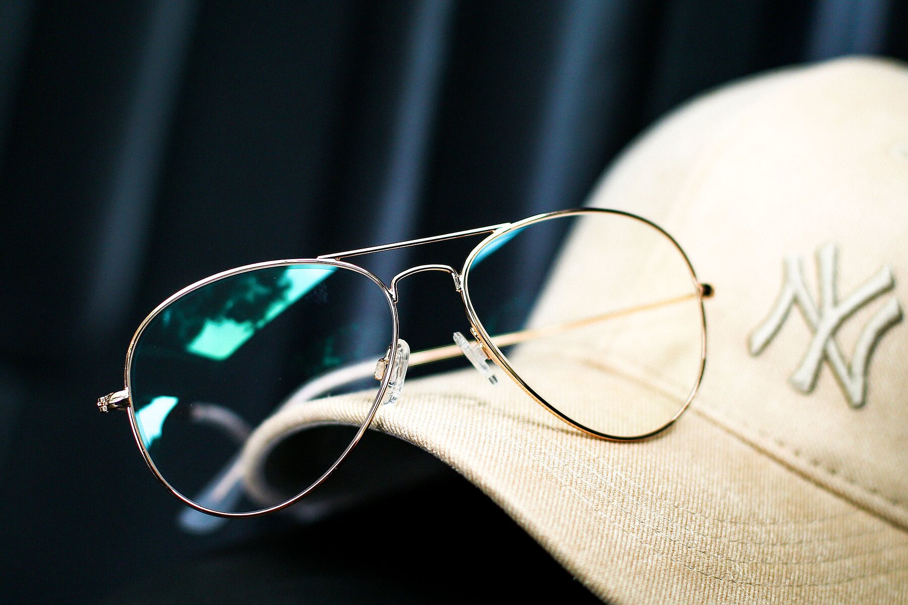 Lifestyle photography #4 of Yesterday in Shiny Gold with Clear Eyeglass Lenses