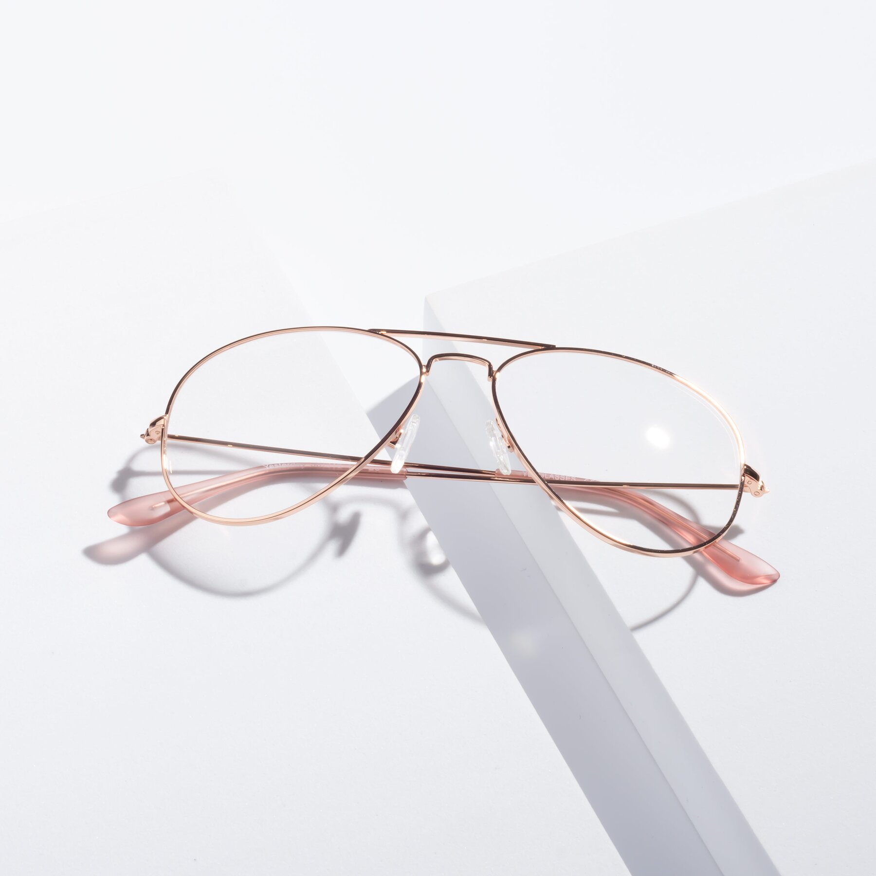 Lifestyle photography #1 of Yesterday in Rose Gold with Clear Eyeglass Lenses