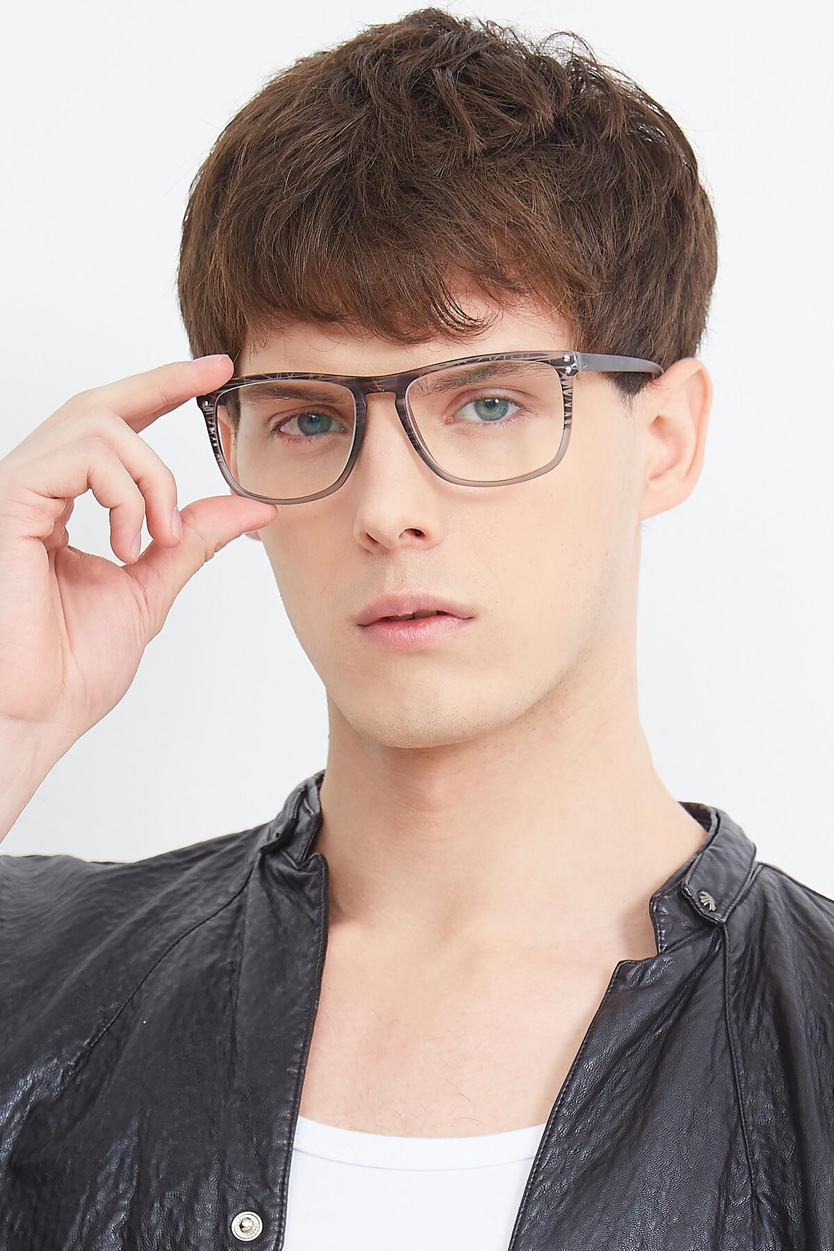 Men's lifestyle photography (portrait-2) of SSR411 in Translucent Floral Grey with Clear Eyeglass Lenses