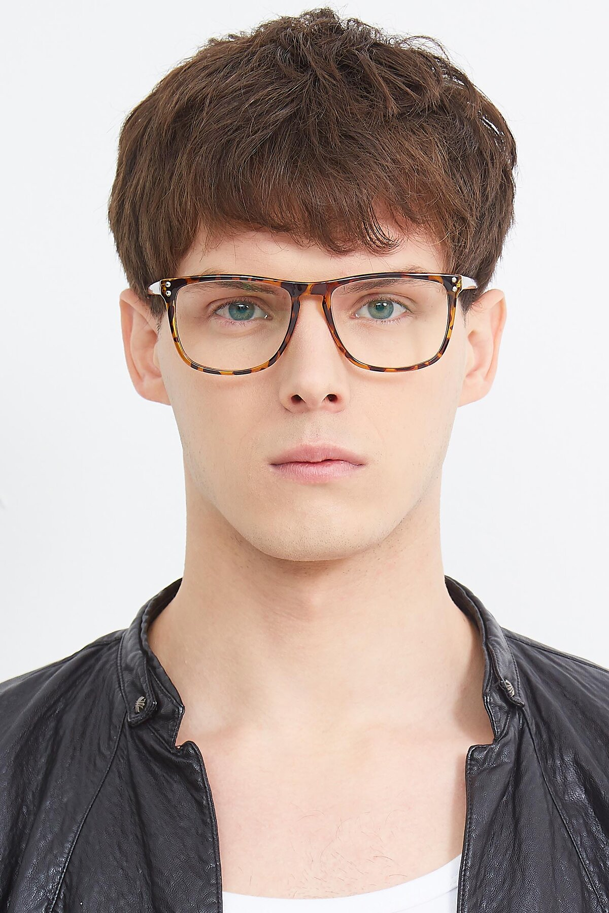 Men's lifestyle photography (portrait-1) of SSR411 in Translucent Orange Tortoise with Clear Eyeglass Lenses