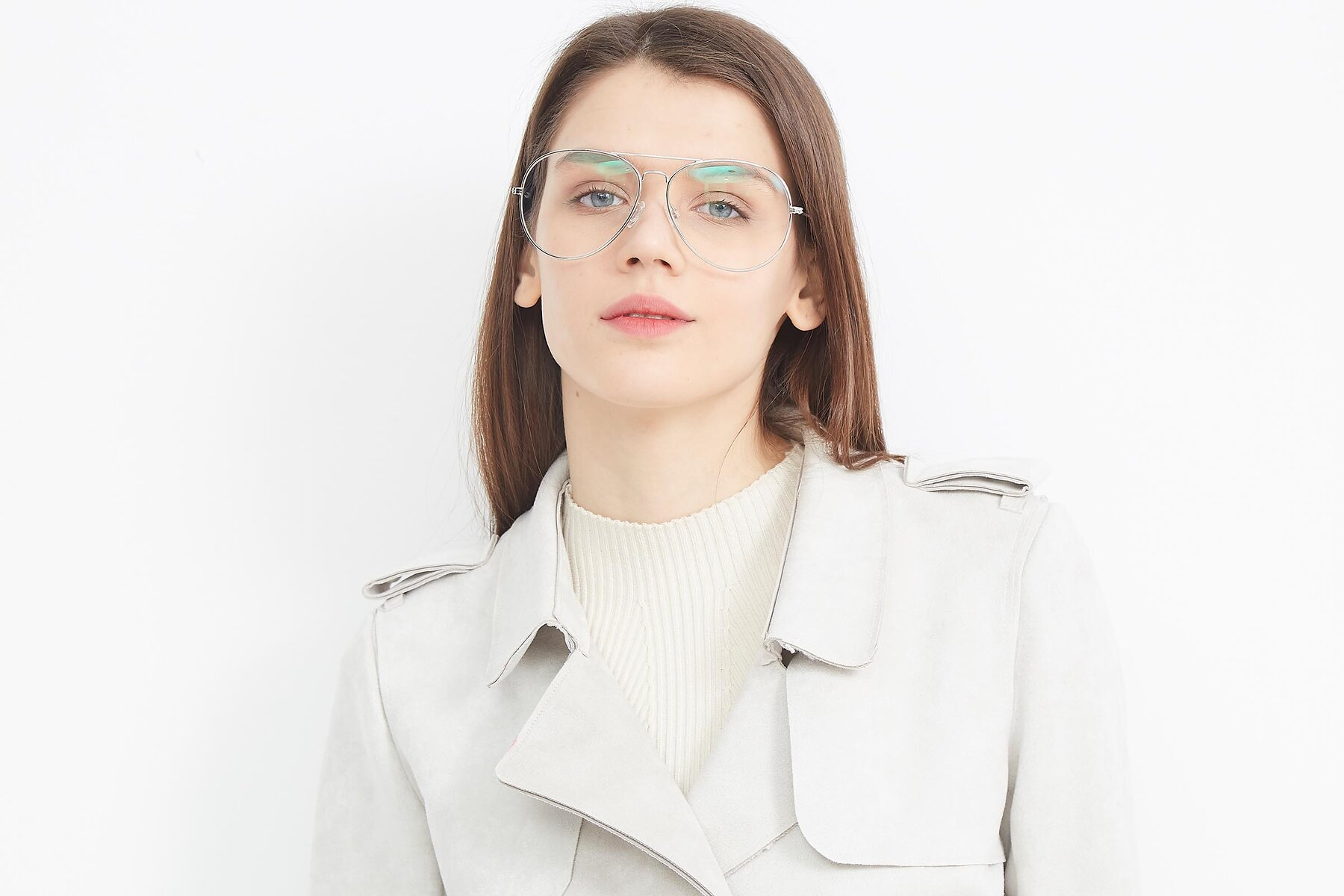 Women's lifestyle photography (landscape-1) of SSR179 in Silver with Clear Eyeglass Lenses