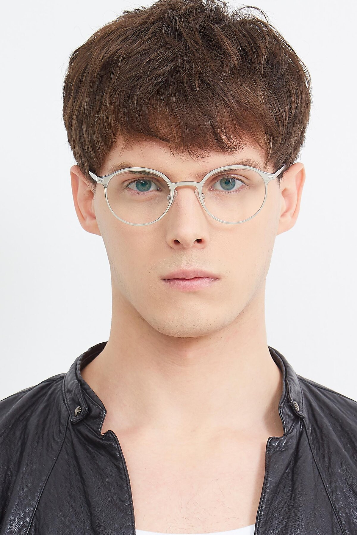 Men's lifestyle photography (portrait-1) of Twilight in Silver with Clear Eyeglass Lenses
