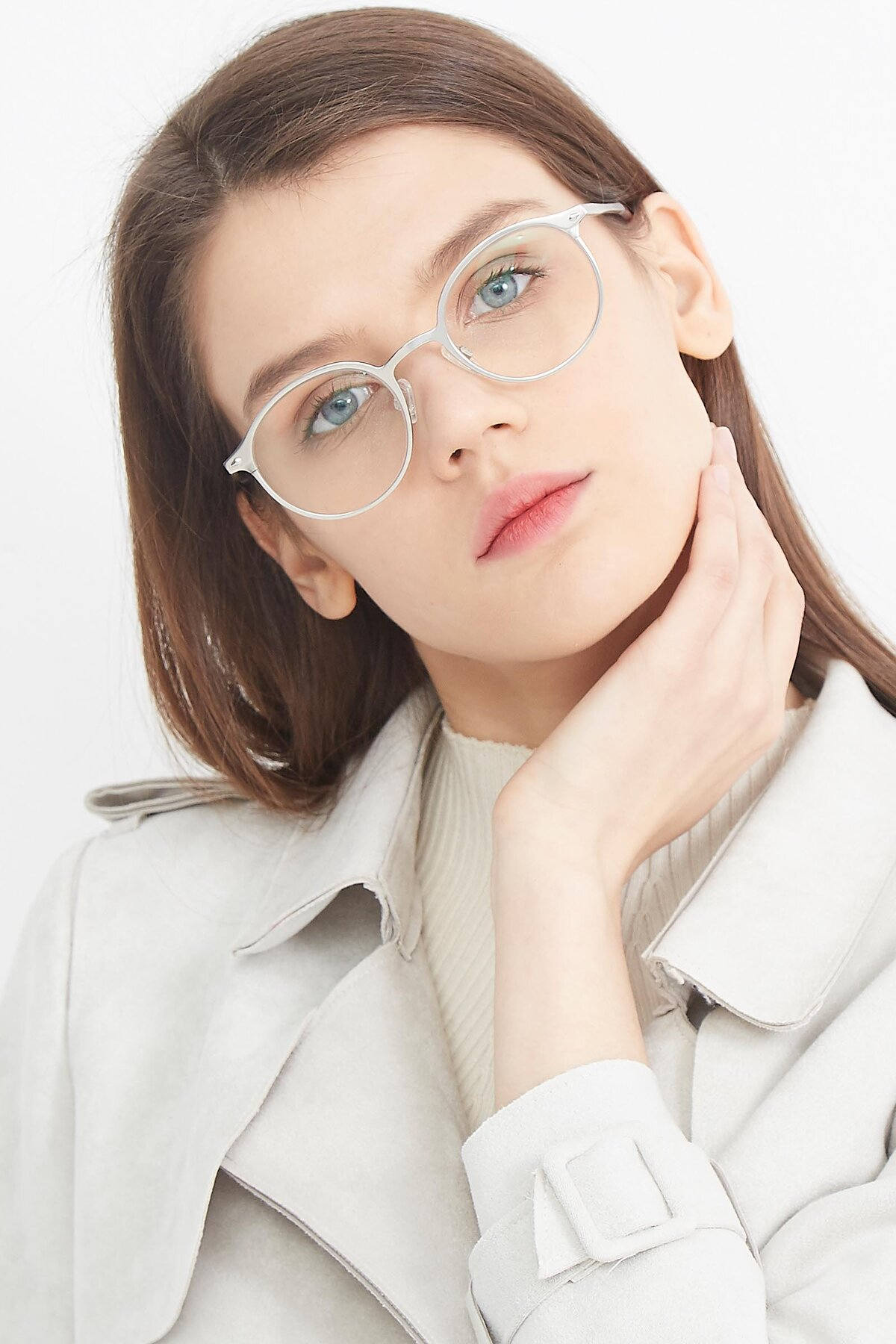 Women's lifestyle photography (portrait-1) of Twilight in Silver with Clear Eyeglass Lenses