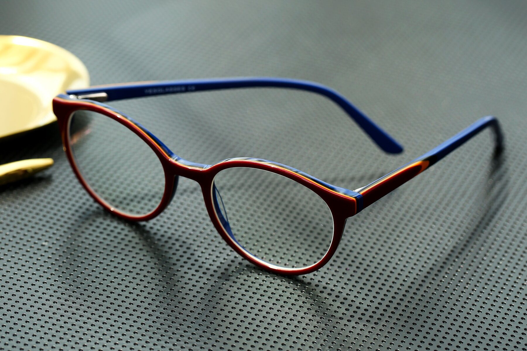 Lifestyle photography #2 of 6195 in Wine with Clear Eyeglass Lenses