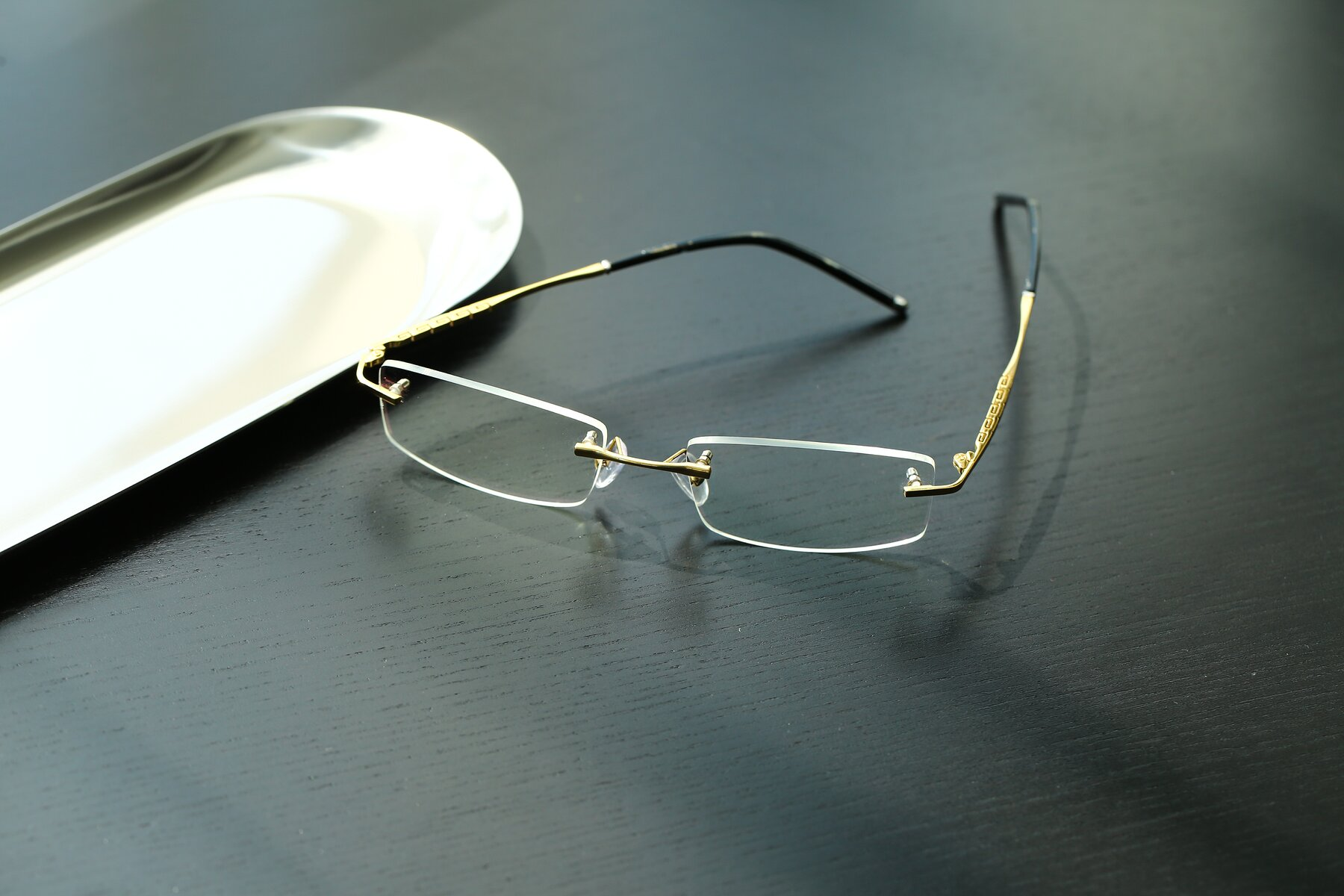 Men's lifestyle photography #2 of 58076 in Gold with Clear Eyeglass Lenses