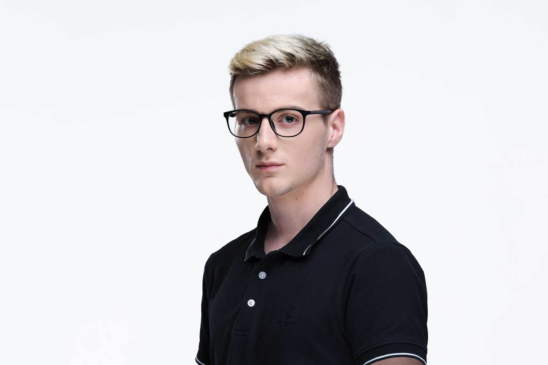 Lifestyle photography #3 of MS-H10 in Matt Black with Clear Eyeglass Lenses