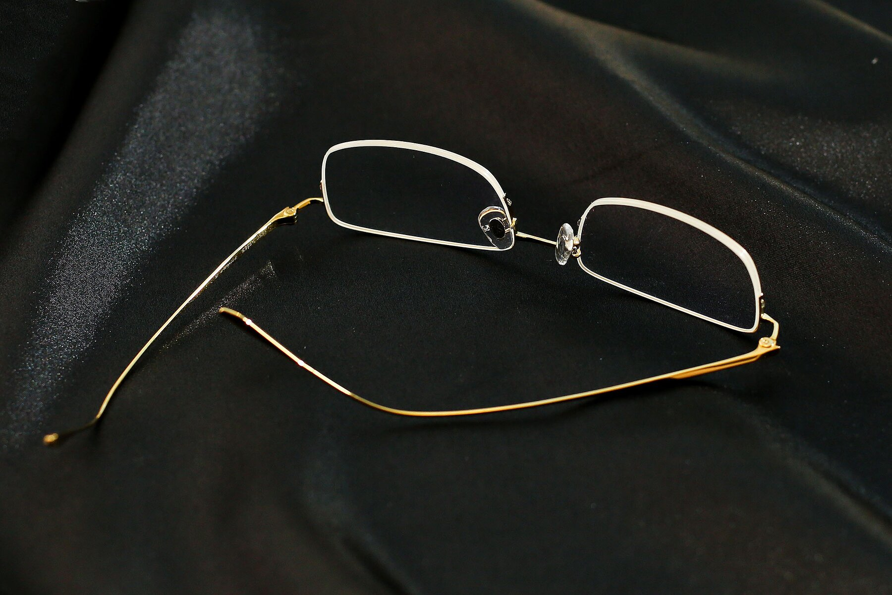 Lifestyle photography #4 of Duke in Gold with Clear Eyeglass Lenses