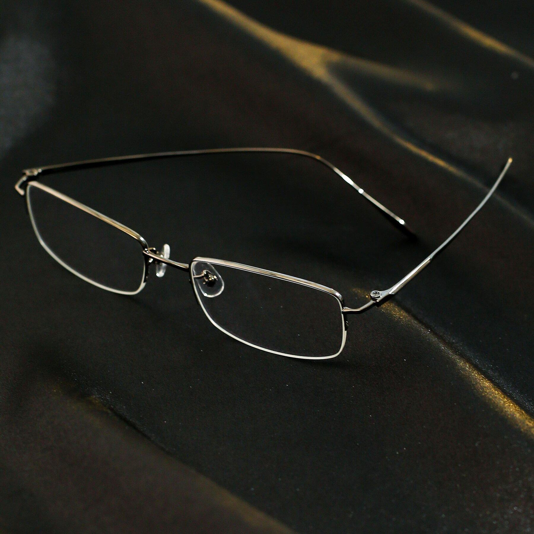 Lifestyle photography #2 of Duke in Matt Black with Clear Eyeglass Lenses