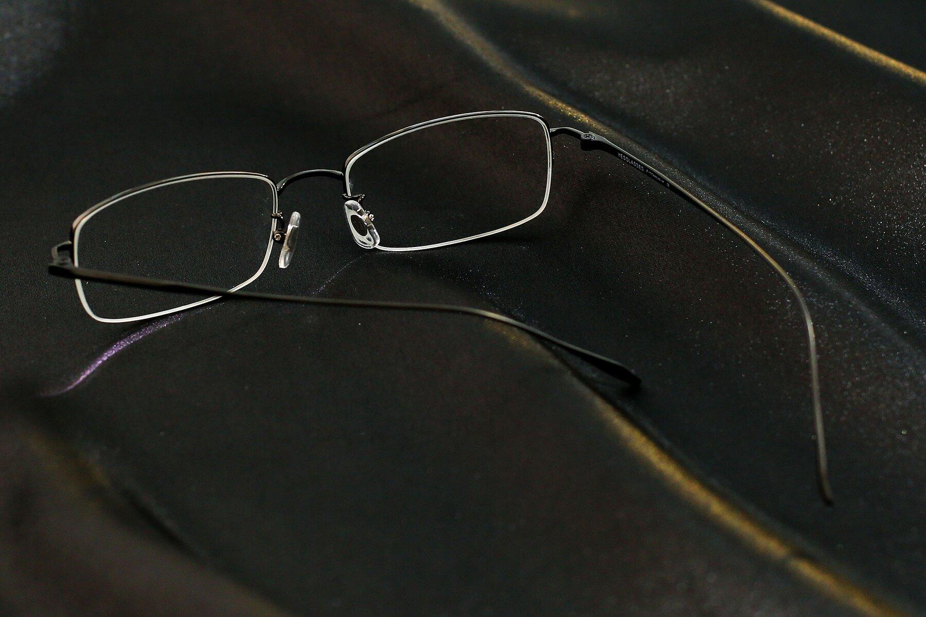 Lifestyle photography #3 of Duke in Matt Black with Clear Eyeglass Lenses