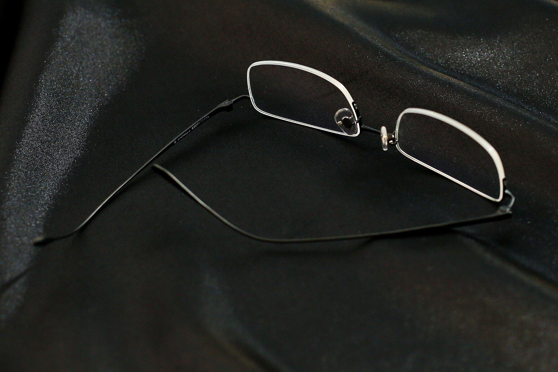 Lifestyle photography #4 of Duke in Matt Black with Clear Eyeglass Lenses