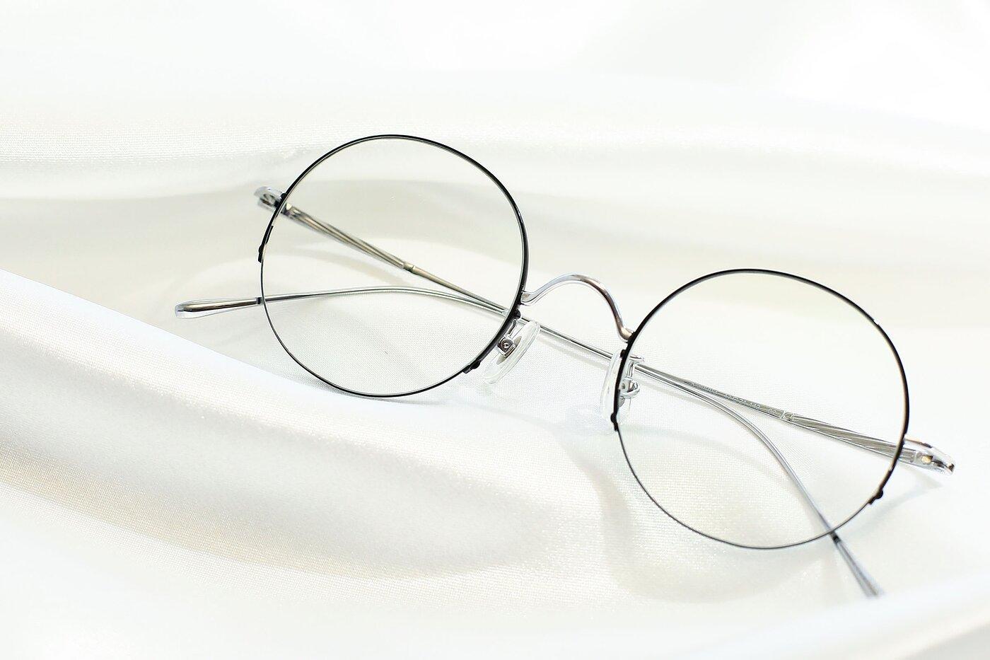 Black-Sivler Retro-Vintage Round Semi-Rimless Eyeglasses