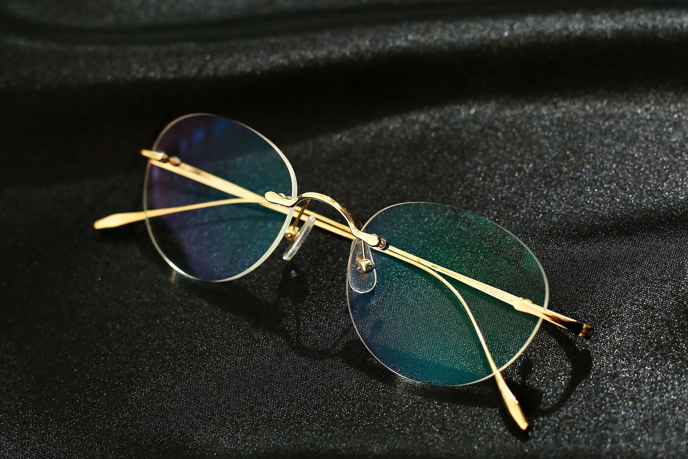 Gold Lightweight Titanium Rimless Eyeglasses